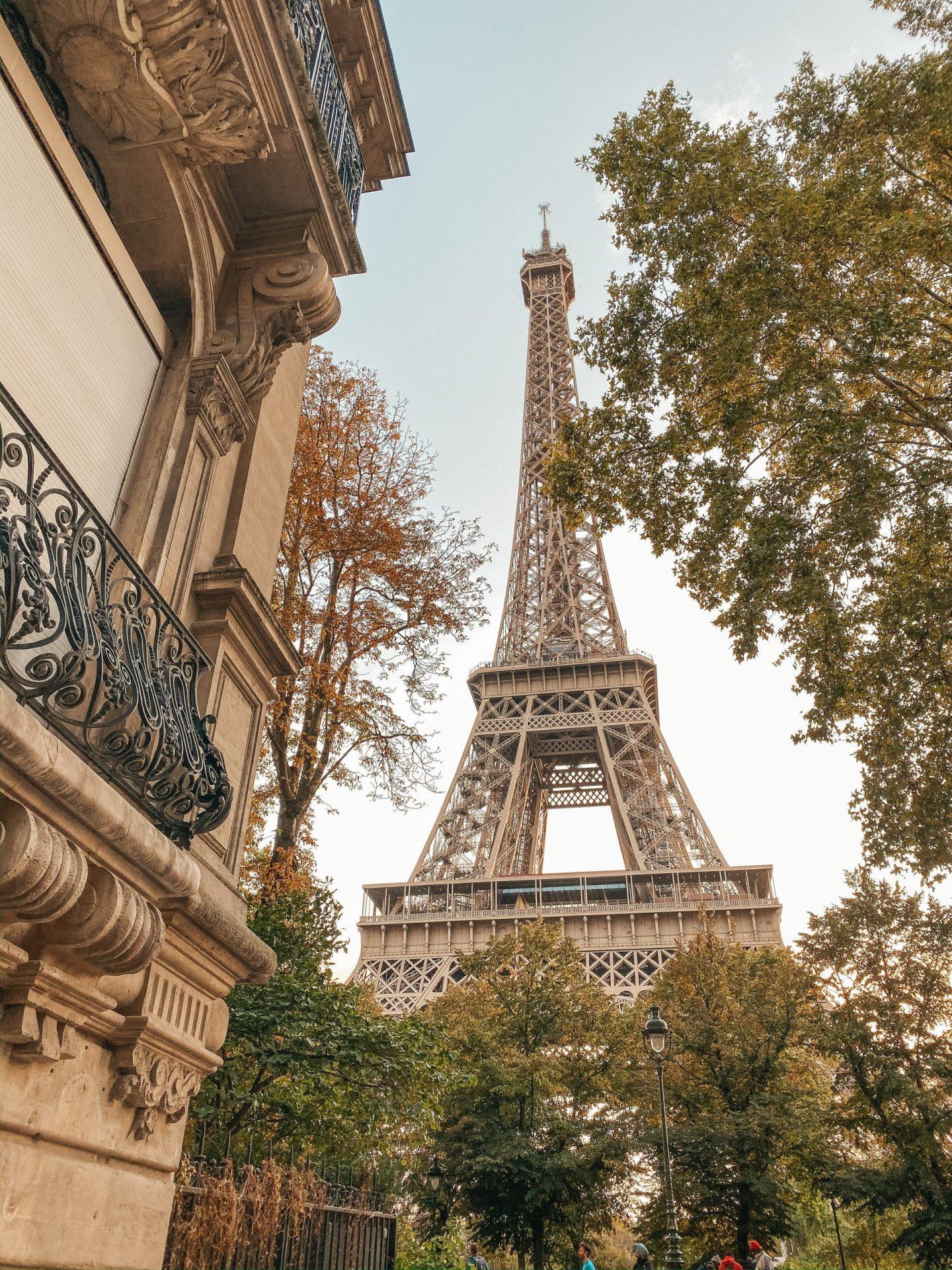 Paris. A short travel guide.